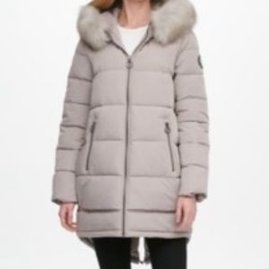 DKNY faux fur trim Hooded puffer coat S